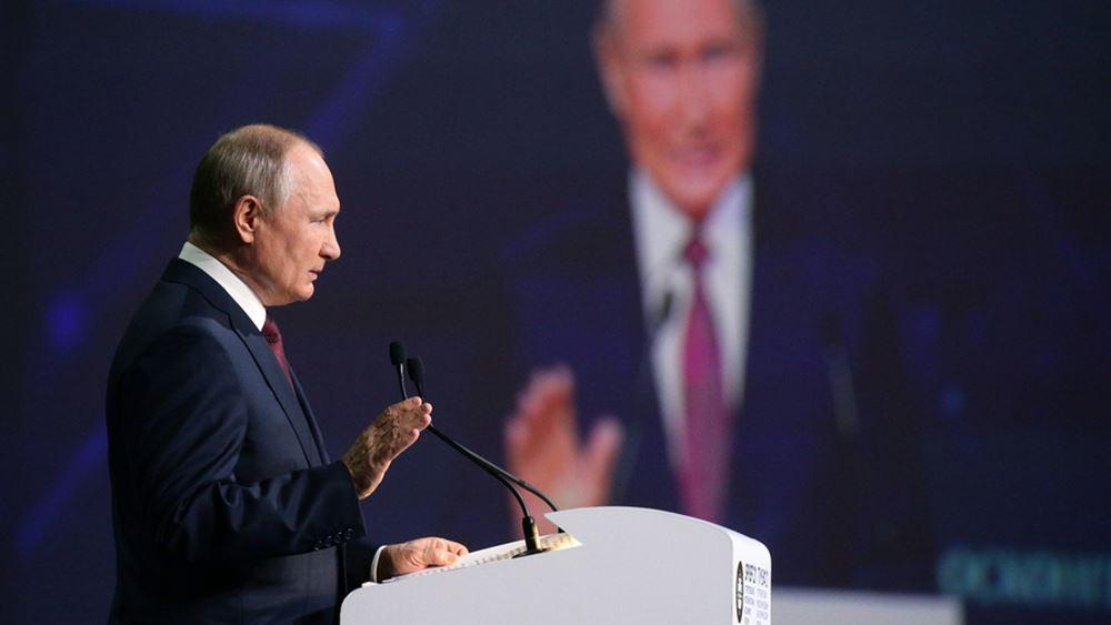 """Πούτιν: Η Ευρώπη αργεί να εγκρίνει το ρωσικό εμβόλιο Sputnik V επειδή """"γίνεται μάχη για τα χρήματα"""""""
