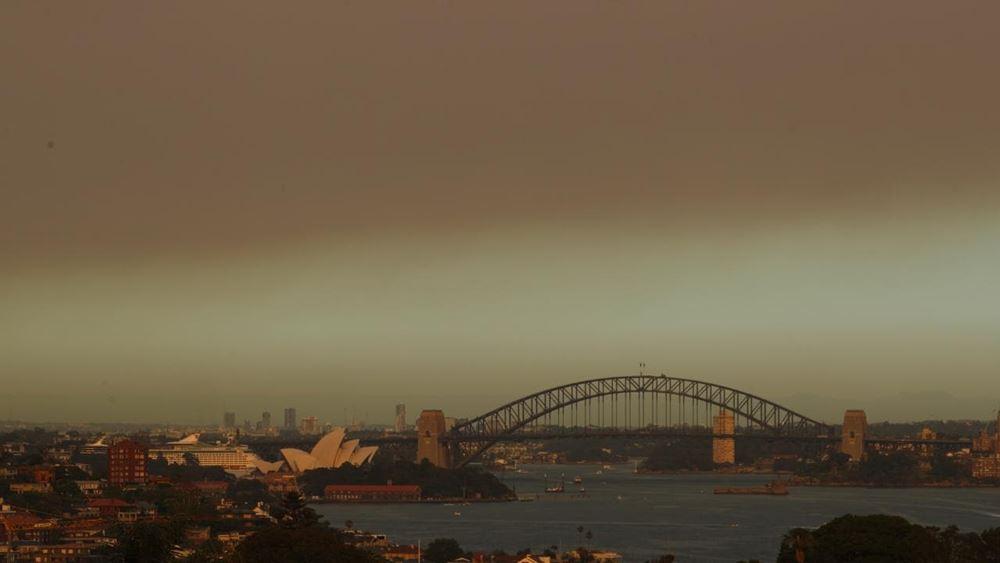 Αυστραλία: Το Σίδνεϊ έχει καλυφθεί από ένα σύννεφο πυκνού καπνού
