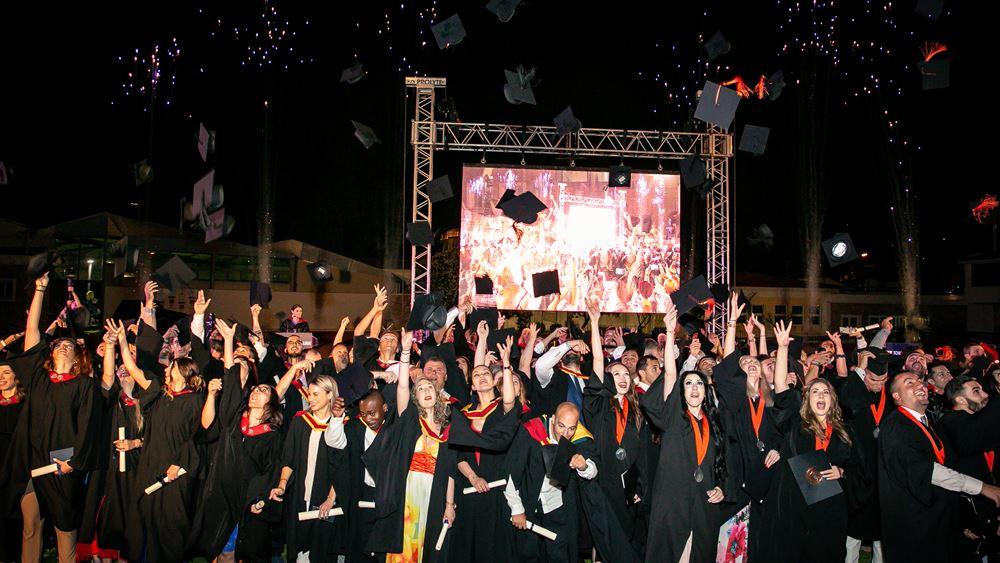 New York College 2019: Αποχαιρετισμοί, συγκίνηση και χαρά στην τελετή αποφοίτησης