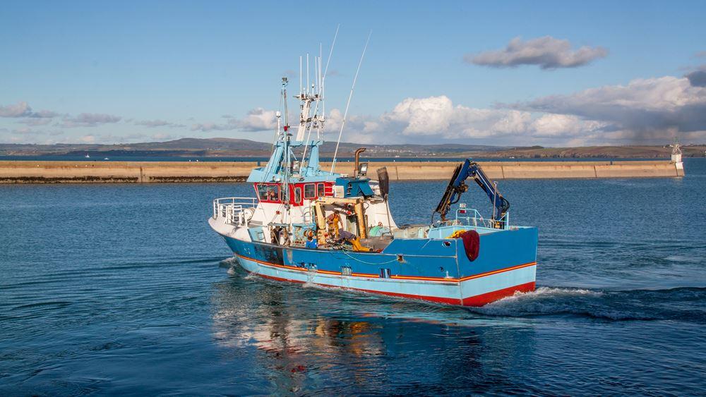 """Οργή Γαλλίας: Η Βρετανία """"κόβει"""" αλιευτικές άδειες - Για παραβίαση των όρων Βrexit μιλά το Παρίσι"""