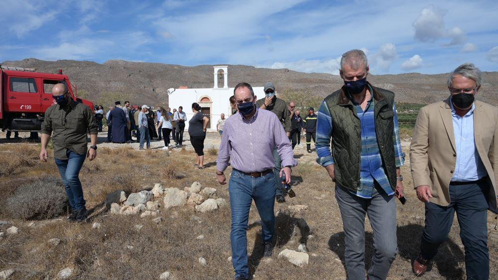 Στη σεισμόπληκτηΣητείαο Γ. Πλακιωτάκης - Ο εφοπλιστής Θ. Μαρτίνος θα αποκαταστήσει τον ναό του Αγ. Νικολάου