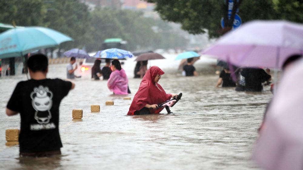Κίνα: Στους 53 οι νεκροί από τις καταστροφικές πλημμύρες