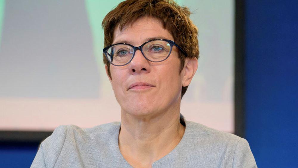 Δημοσκόπηση: Άνοδος του CDU μετά την εκλογή της Καρενμπάουερ