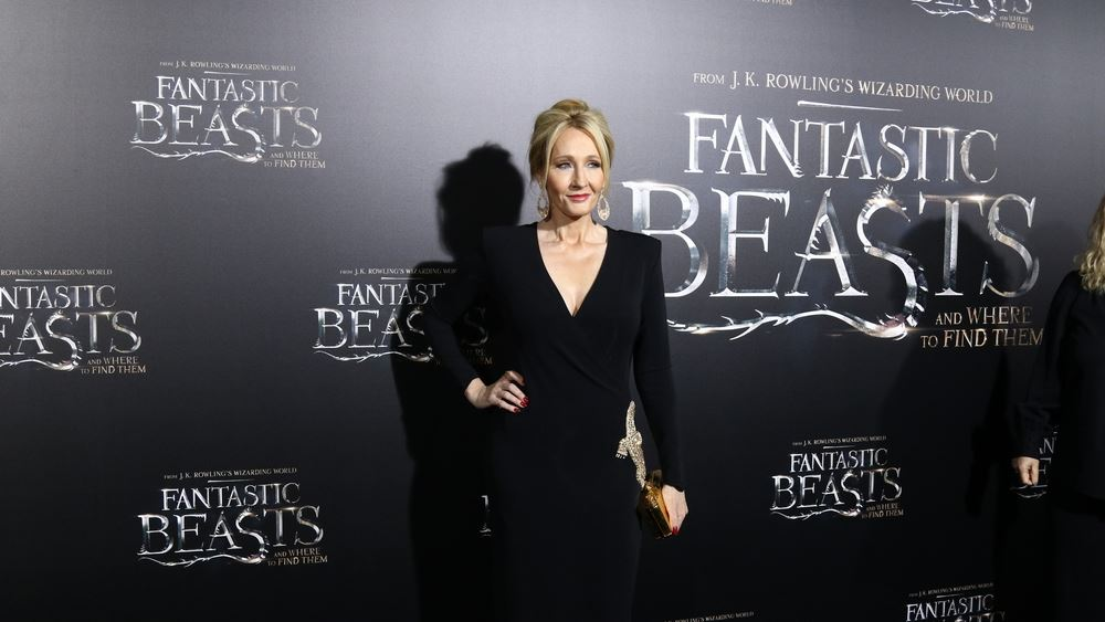 """Οι """"χρυσοί"""" συγγραφείς του 2019 - Επέστρεψε στην κορυφή η J.K. Rowling με $92 εκατ."""