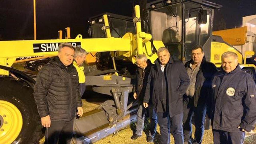 Σε 24ωρη βάση συνεργεία της Περιφέρειας Αττικής εργάζονται για τη διάνοιξη δρόμων