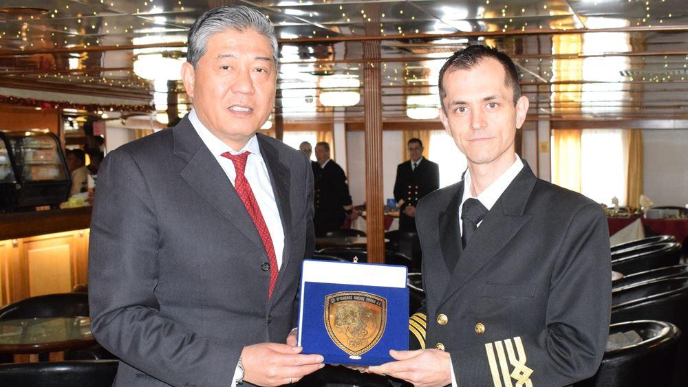 Το πλοίο OLYMPUS ήταν το πρώτο πλοίο της χρονιάς στο λιμάνι του Πειραιά