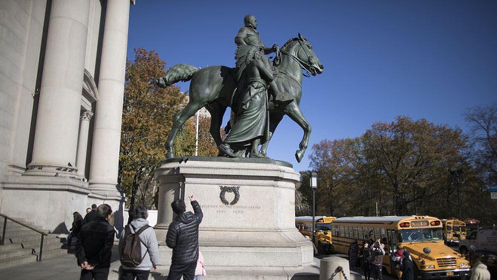 Η Νέα Υόρκη απομακρύνει έφιππο ανδριάντα του πρώην προέδρου Ρούζβελτ