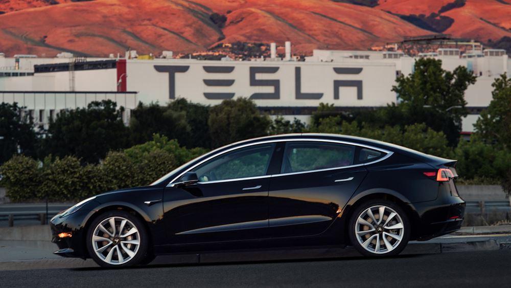 Tesla: Άδεια για έναρξη μαζικής παραγωγής στο νέο εργοστάσιό της στην Κίνα