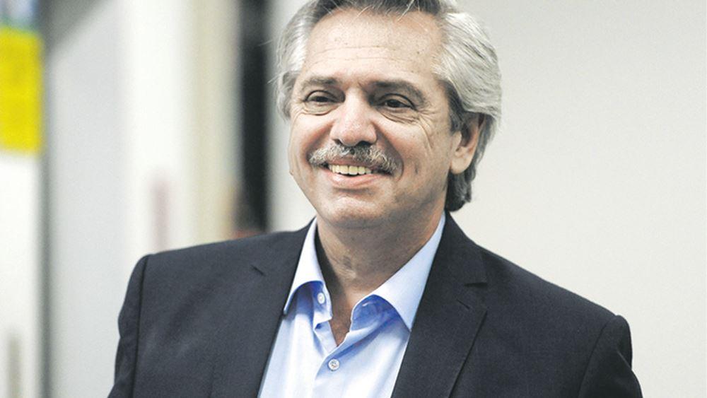 Ο Αλμπέρτο Φερνάντες ορκίστηκε νέος πρόεδρος Αργεντινής