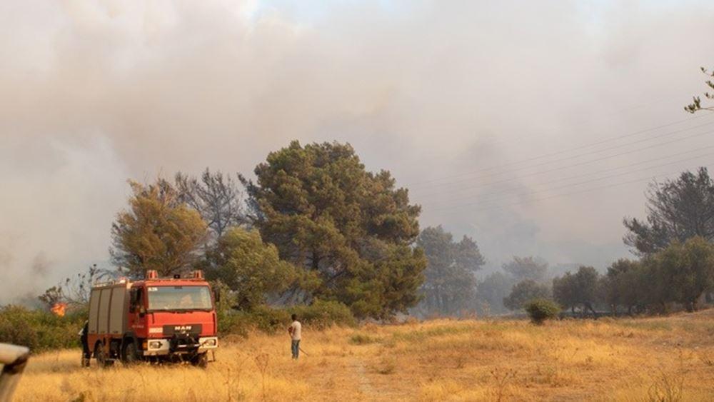 Ρόδος: Σε ύφεση τα μέτωπα της πυρκαγιάς