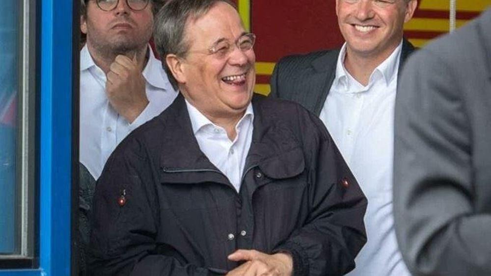 Γερμανία: Συγνώμη του Λάσετ για το γέλιο κατά την ομιλία Σταϊνμάιερ για τα θύματα των πλημμυρών