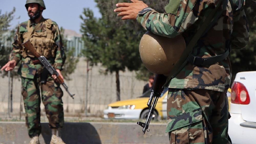 Ταλιμπάν με στολή στα χρώματα του πρώην αφγανικού στρατού
