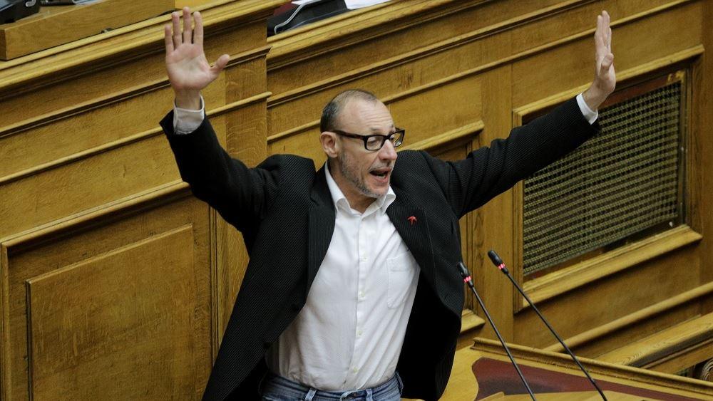 """""""Παράσταση"""" Κλέωνα Γρηγοριάδη στη Βουλή"""