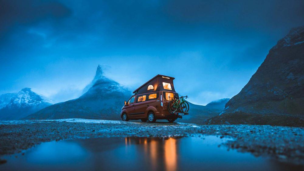 Νυχτερινό κάμπινγκ στη Νορβηγία με Ford Transit (vid.)