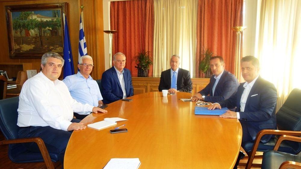 """Συνάντηση ΥπΑΑΤ Μ. Βορίδη με εκπροσώπους του αγροτικού συνεταιρισμού """"ΣΥΚΙΚΗ"""""""