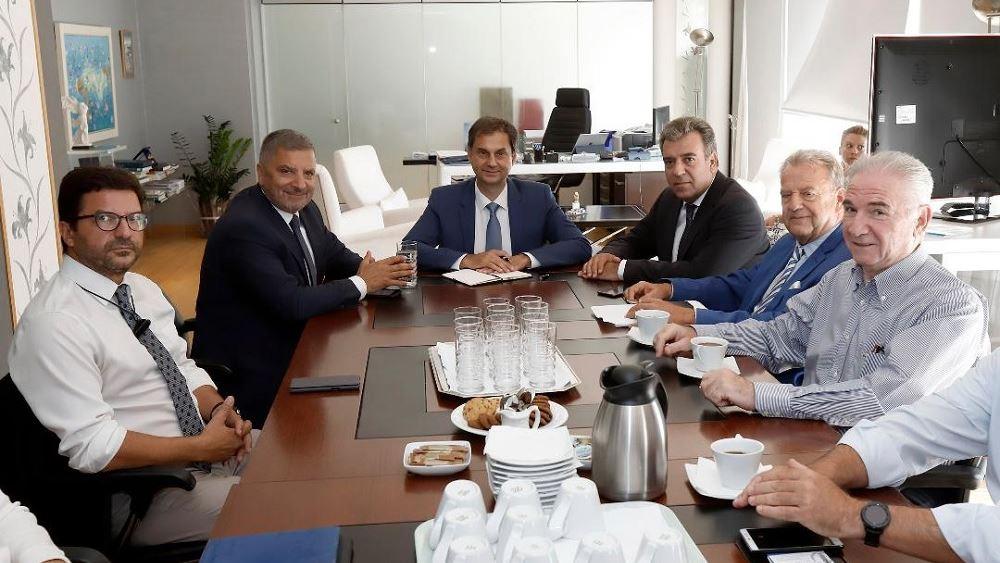 Συνάντηση Θεοχάρη-Κόνσολα με το Δ.Σ. της  ΕΛΙΤΟΥΡ για τον ιατρικό τουρισμό