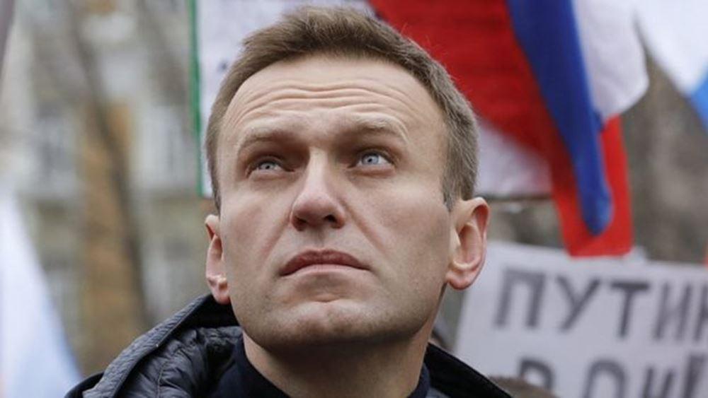 Ρωσία: Ο Ναβάλνι βρισκόταν υπό παρακολούθηση από την αστυνομία πριν ασθενήσει