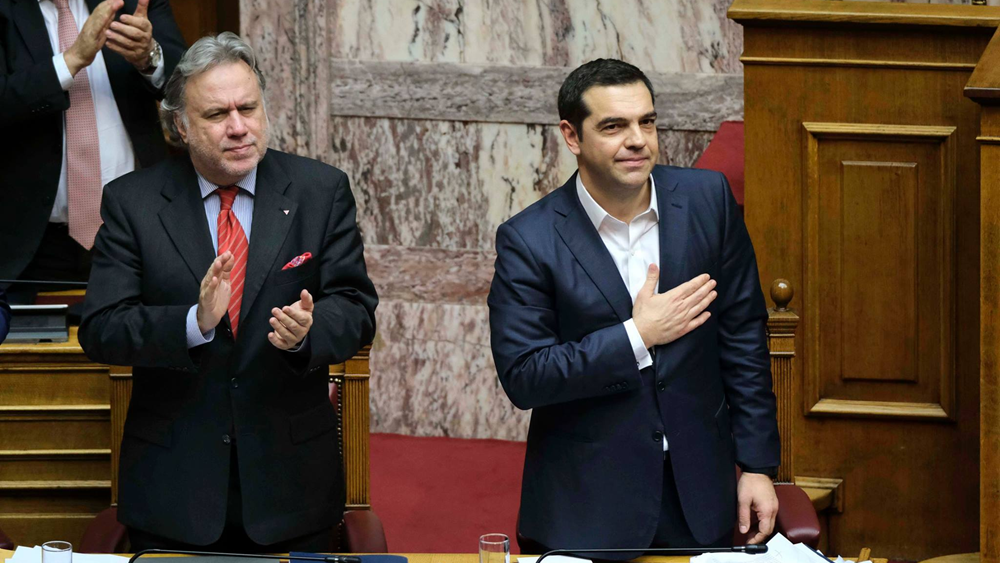 """Πανηγυρίζει ο Τσίπρας για τη Συμφωνία - Φίλη χώρα η """"Βόρεια Μακεδονία"""""""