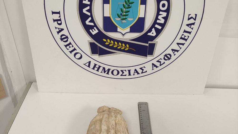 Θεσσαλονίκη: Συνελήφθησαν τρεις άνδρες που προσπάθησαν να πουλήσουν αρχαίο αγαλματίδιο