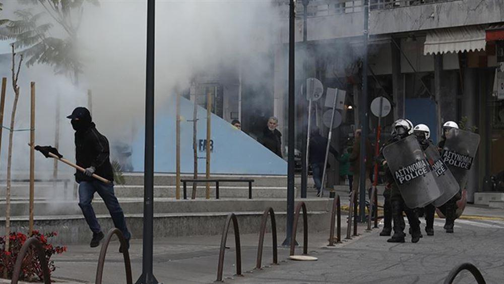 Επεισόδια στο Μαρούσι ανάμεσα σε αντιεξουσιαστές και ΜΑΤ