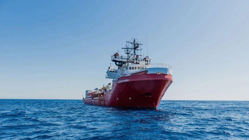 Το Ocean Viking ζητεί από την ΕΕ επειγόντως λιμάνι για να αποβιβάσει 572 μετανάστες