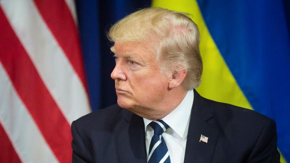 """Ανηψιά του Τραμπ μηνύει τον Αμερικανό πρόεδρο για """"διακεκριμένη απάτη"""" εις βάρος της"""