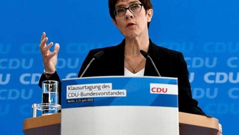 Κραμπ- Κάρενμπάουερ σε SPD: Αποφασίστε αν θα παραμείνετε στην κυβέρνηση