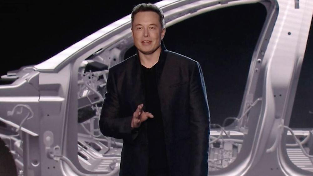 ΗΠΑ: Μειώνει κατά 7% το προσωπικό της η Tesla