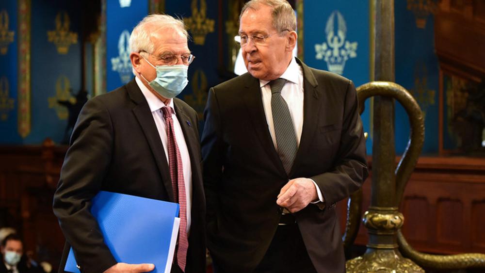 Πώς θα πρέπει να προσεγγίσει τις σχέσεις με τη Ρωσία η ΕΕ