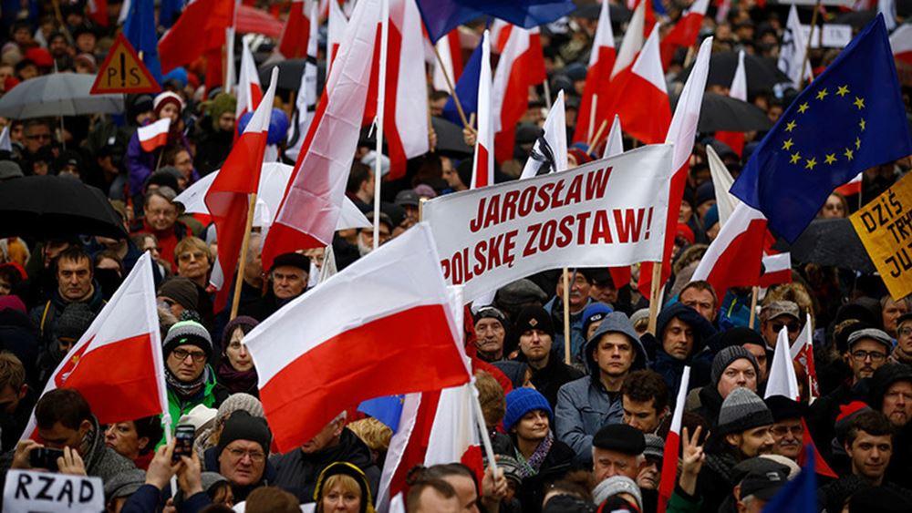 """Κάτι """"κινείται"""" στο εσωτερικό της Πολωνίας και της Ουγγαρίας"""
