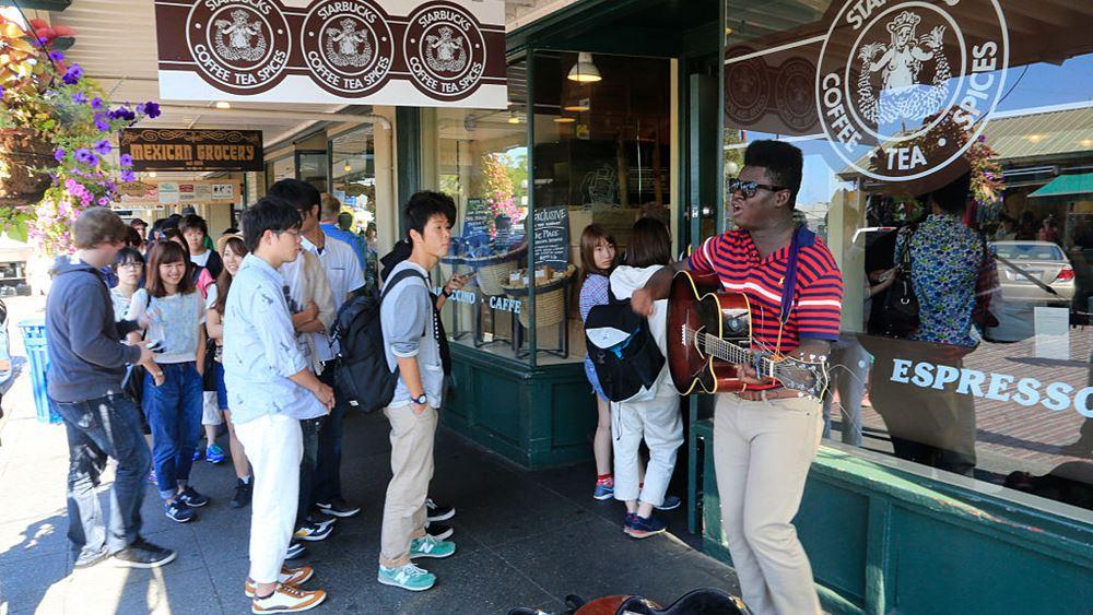 Starbucks: Τα νέα καταστήματα χωρίς υπάλληλο στο ταμείο - ευλογία ή δυστοπία;