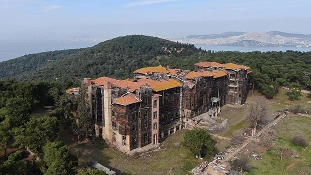 """Ο Εκρέμ Ιμάμογλου έδωσε το """"πράσινο φως"""" για τη διάσωση του ελληνικού Ορφανοτροφείου στην Πρίγκηπο"""