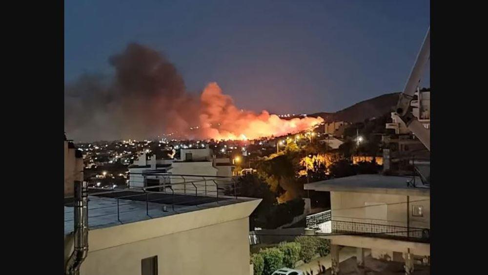 Καλύτερη η εικόνα της πυρκαγιάς στη Νέα Μάκρη