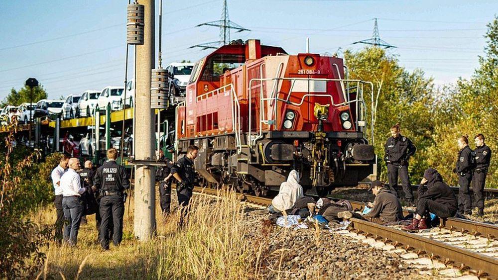 Φλώρινα: Αμαξοστοιχία παρέσυρε αγροτικό αυτοκίνητο