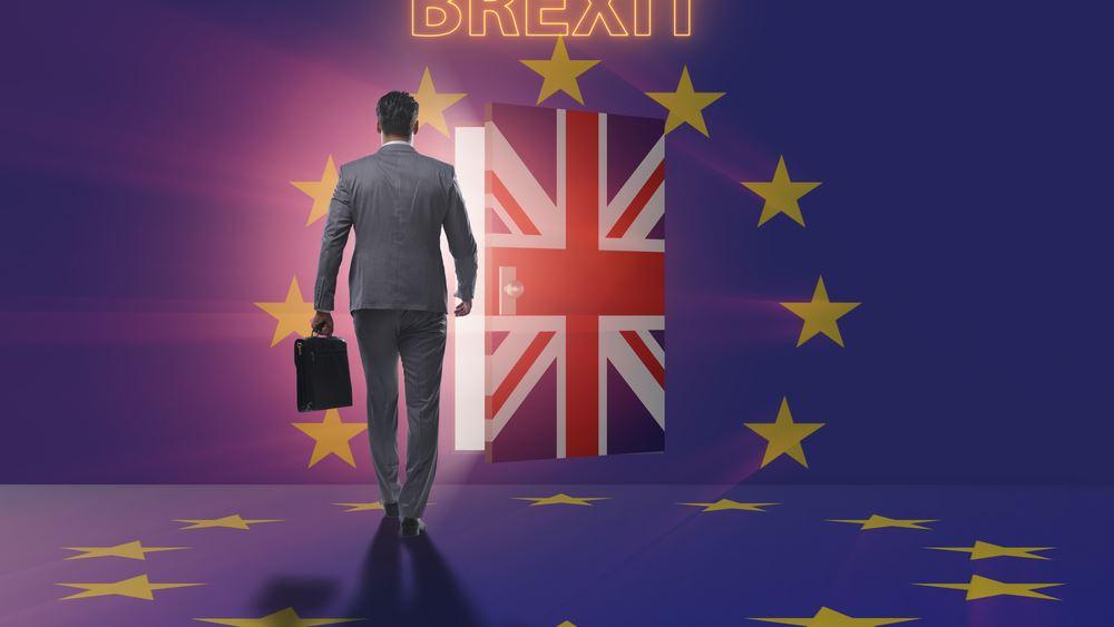 Reuters: Στα 40-45 δισ. ευρώ εκτιμά το κόστος του Brexit η Βρετανία