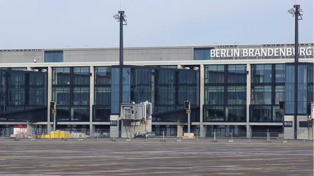 Γερμανία: Το αεροδρόμιο του Βερολίνου κλείνει έναν τερματικό σταθμό λόγω του κορονοϊού