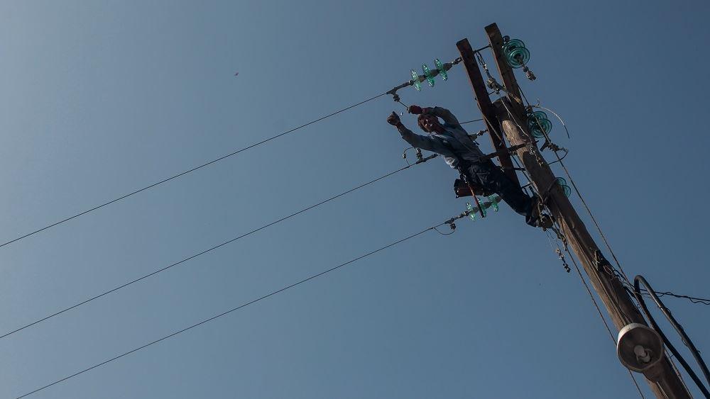 ΔΕΔΔΗΕ: Συνεχίζονται οι εργασίες αποκατάστασης του δικτύου ηλεκτροδότησης