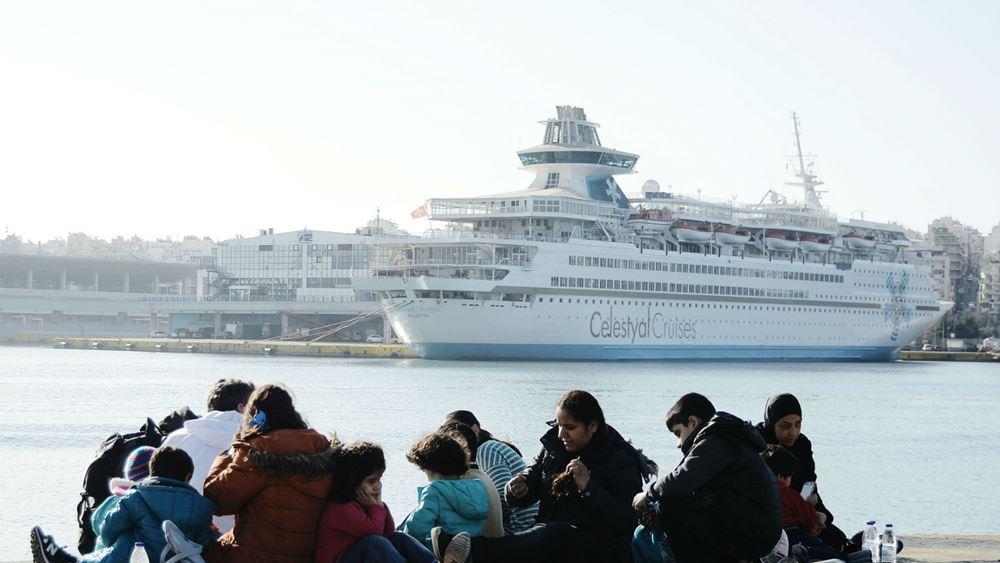 Μυτιλήνη: Δεμένο στο λιμάνι το πλοίο που θα μετέφερε πρόσφυγες, λόγω ανέμων