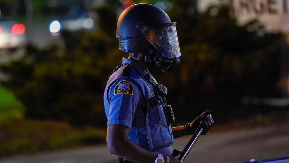 ΗΠΑ: Ο κυβερνήτης της Μινεσότας ζητά να σταματήσουν οι ταραχές