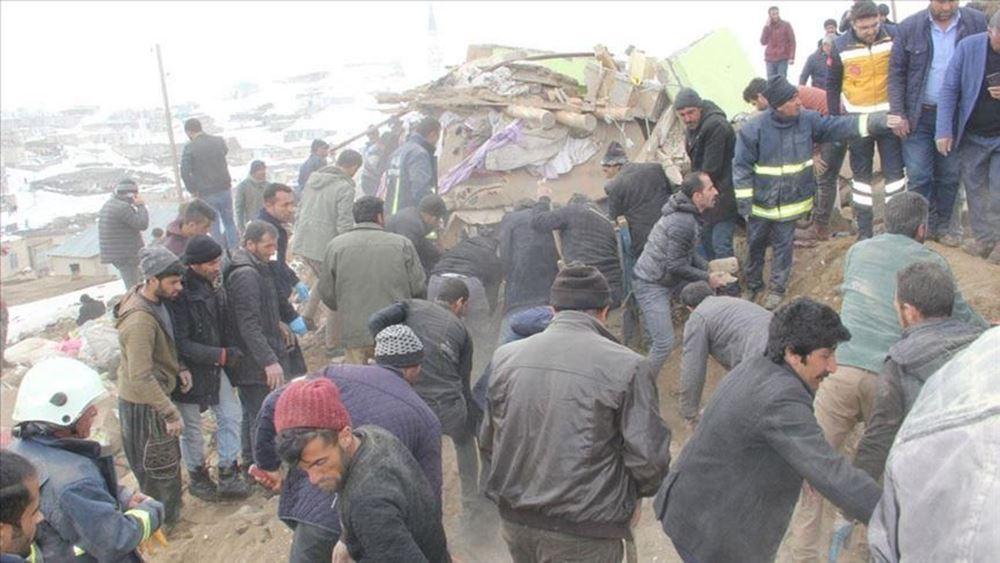 Σεισμός 5,7 βαθμών σημειώθηκε στα σύνορα Τουρκίας-Ιράν - Εννιά νεκροί