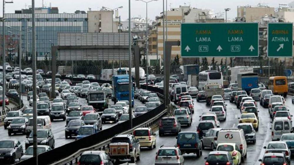Ανατροπή φορτηγού στη Λ. Κηφισού -η κυκλοφορία διεξάγεται με δυσχέρεια