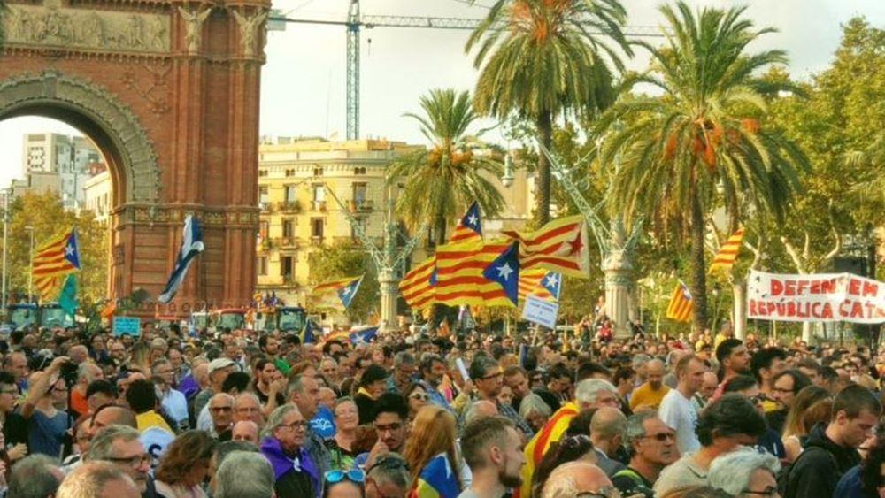 Εl Pais: Αυτές θα είναι οι οικονομικές συνέπειες αν αποσχιστεί η Καταλονία