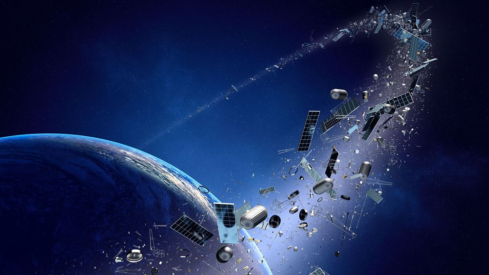 """Τεχνολογία και Διάστημα: Η ESA θα εκτοξεύσει το πρώτο στον κόσμο διαστημικό ρομποτικό """"σκουπιδιάρικο"""" το 2025"""
