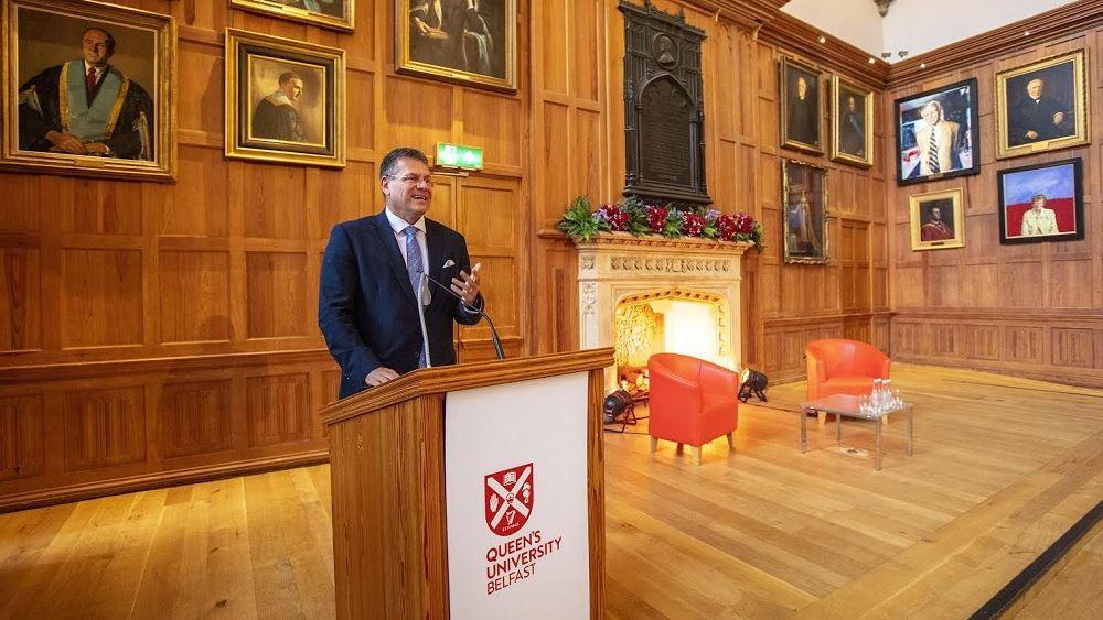 Κομισιόν: Η ΕΕ δεν θα επαναδιαπραγματευθεί με το Η.Β. το πρωτόκολλο για τη Β. Ιρλανδία