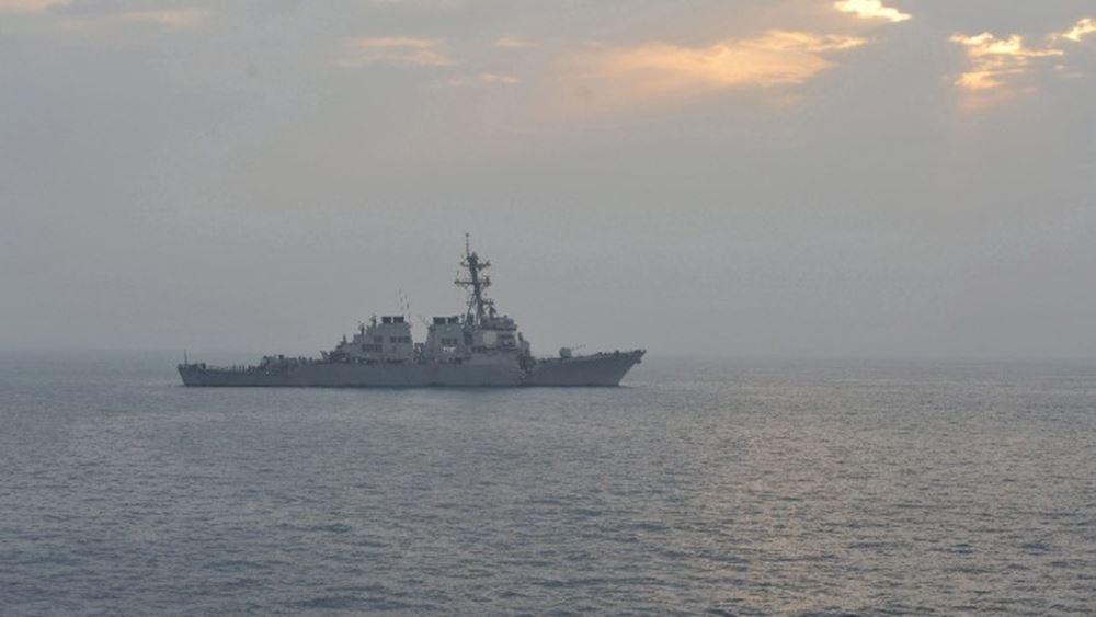 Στενά του Ορμούζ: Προειδοποιητικά πυρά από αμερικανικό πλοίοκατά ιρανικών σκαφών