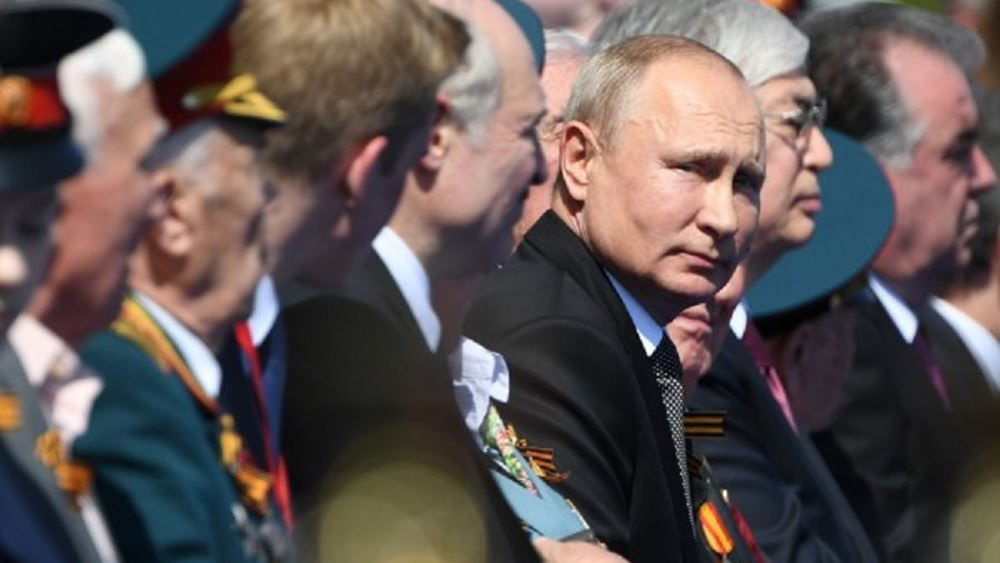 Ο Πούτιν επιθεώρησε τη μεγαλειώδη παρέλαση για τα 75 χρόνια της νίκης επί των Ναζί