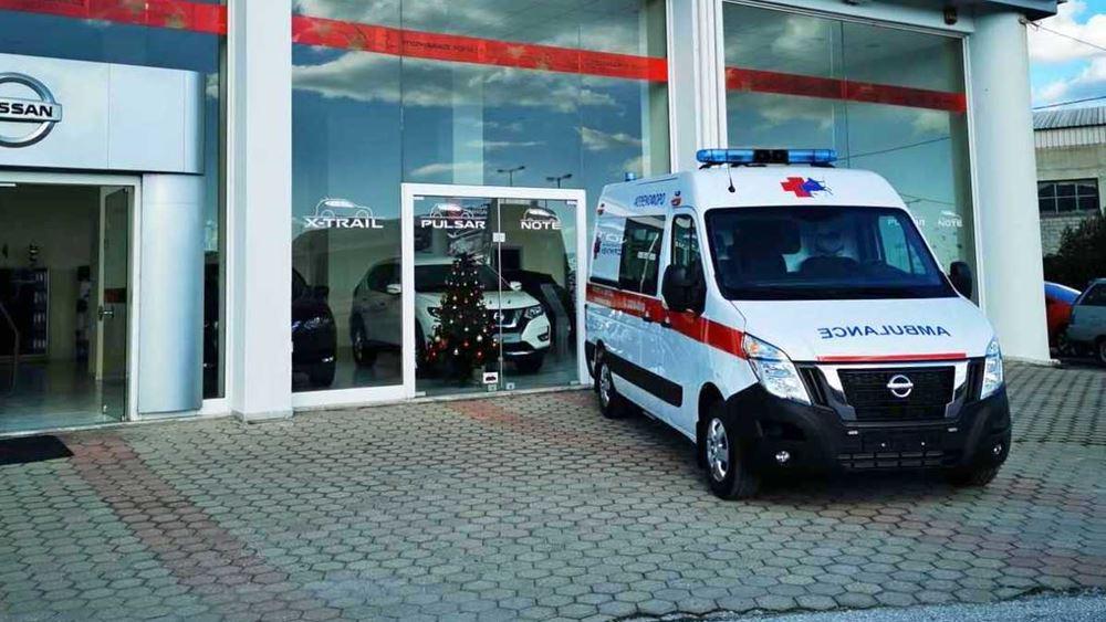 H Nissan παραδίδει το πρώτο ασθενοφόρο NV400