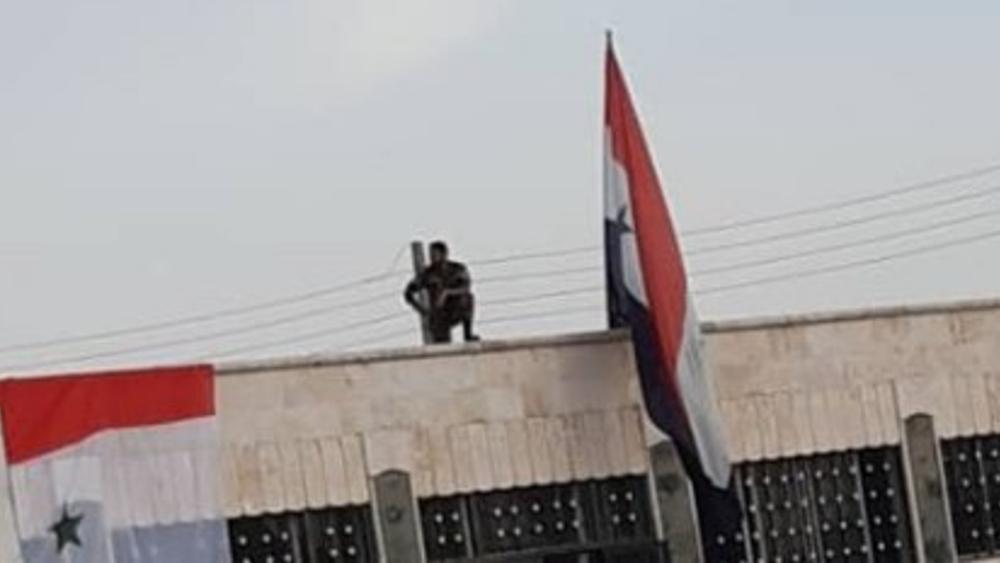 Ο συριακός στρατός εισέρχεται στην πόλη Μάνμπιτζ