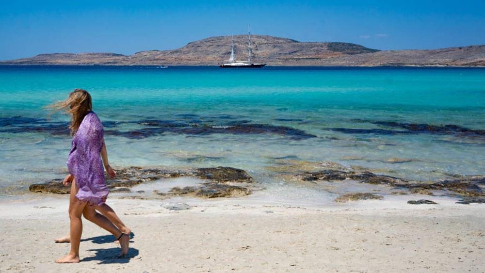 Φρένο στις νέες κρατήσεις στον τουρισμό βάζει η άνοδος των κρουσμάτων