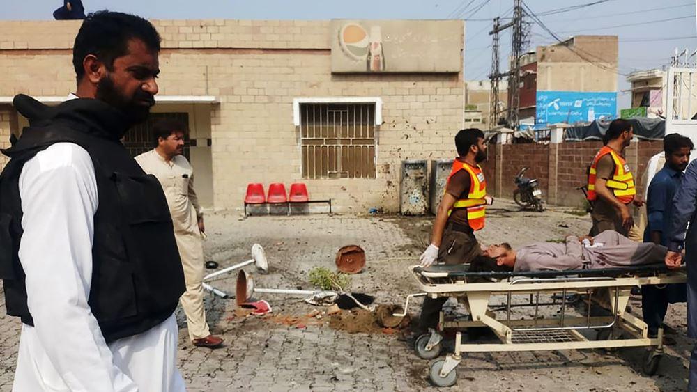 Πακιστάν: Τουλάχιστον οκτώ νεκροί από διπλή τρομοκρατική επίθεση στα βορειοδυτικά της χώρας
